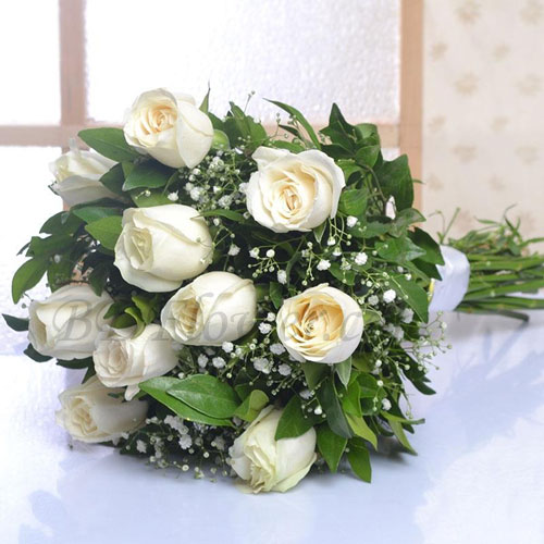 Send imported 10 pcs white roses in bouquet to Bangladesh